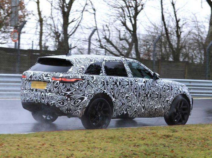 Range Rover Velar SVR, il SUV britannico in versione sportiva - Foto 15 di 21