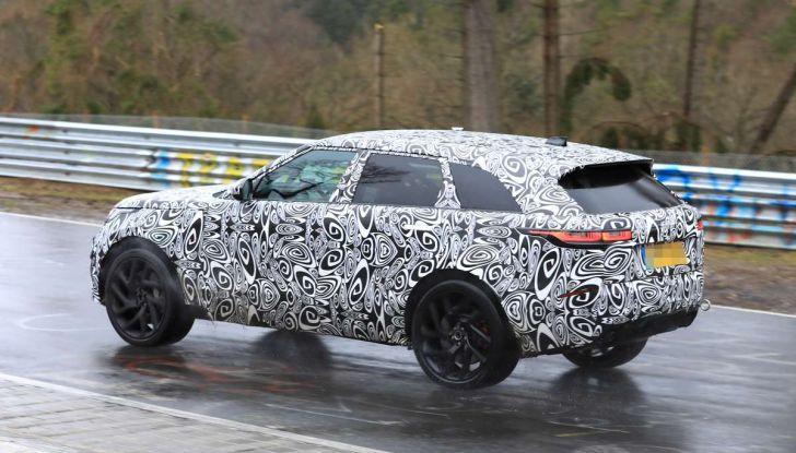 Range Rover Velar SVR, il SUV britannico in versione sportiva - Foto 21 di 32