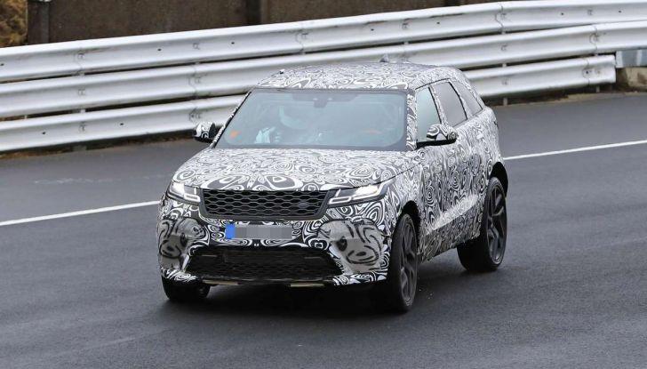 Range Rover Velar SVR, il SUV britannico in versione sportiva - Foto 31 di 32