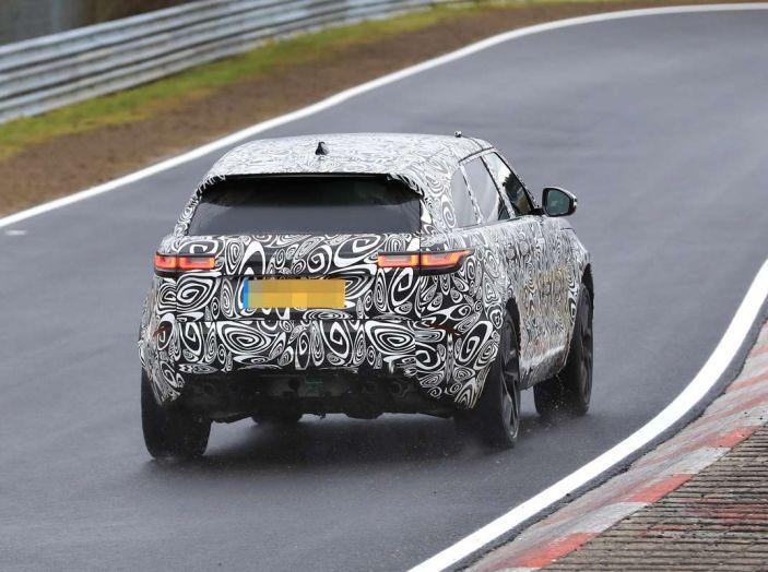 Range Rover Velar SVR, il SUV britannico in versione sportiva - Foto 13 di 21