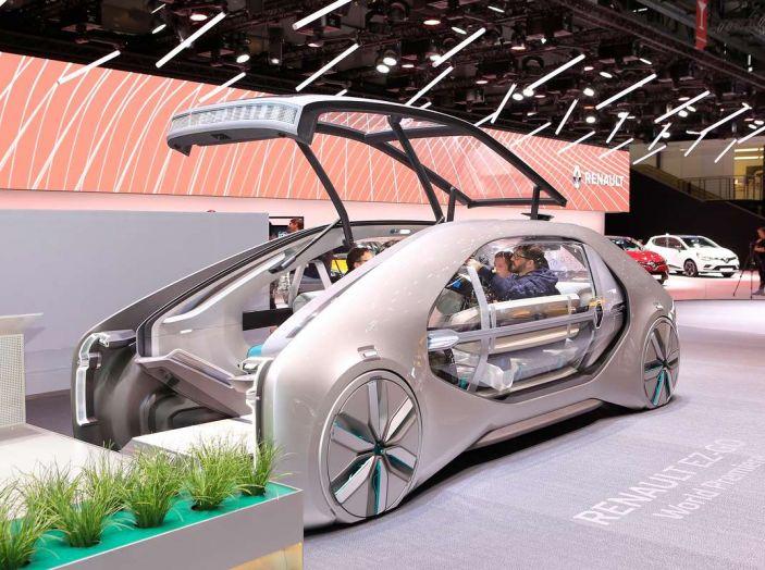 Renault EZ-GO, l'auto condivisa a guida autonoma del futuro - Foto 2 di 10