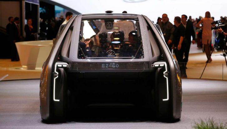 Renault EZ-GO, l'auto condivisa a guida autonoma del futuro - Foto 7 di 10