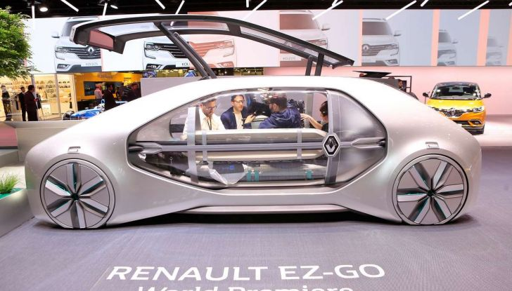 Renault EZ-GO, l'auto condivisa a guida autonoma del futuro - Foto 1 di 10