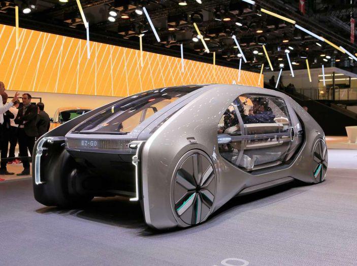 Renault EZ-GO, l'auto condivisa a guida autonoma del futuro - Foto 9 di 10