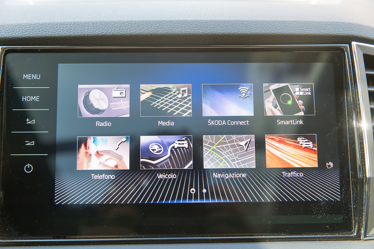 Skoda Karoq, il display infotainment