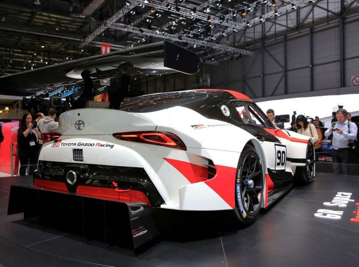 Toyota GR Supra Racing, il ritorno del mito - Foto 10 di 18