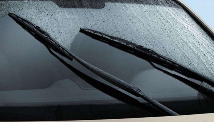 Tergicristalli ad acqua piovana: via ai test Ford - Foto 2 di 7