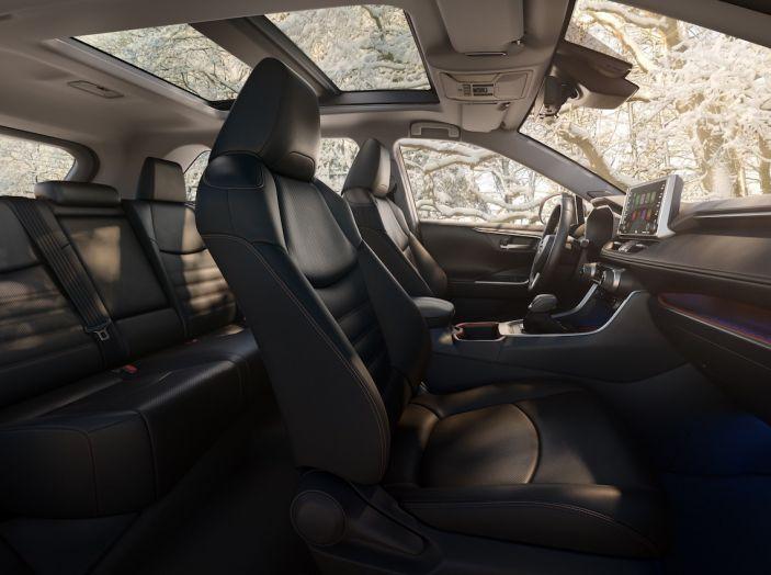 Toyota RAV4 2018, il SUV nipponico fa ritorno al fuoristrada - Foto 13 di 29