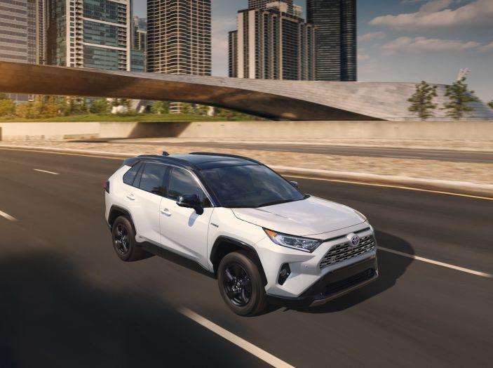 Toyota RAV4 2018, il SUV nipponico fa ritorno al fuoristrada - Foto 20 di 29