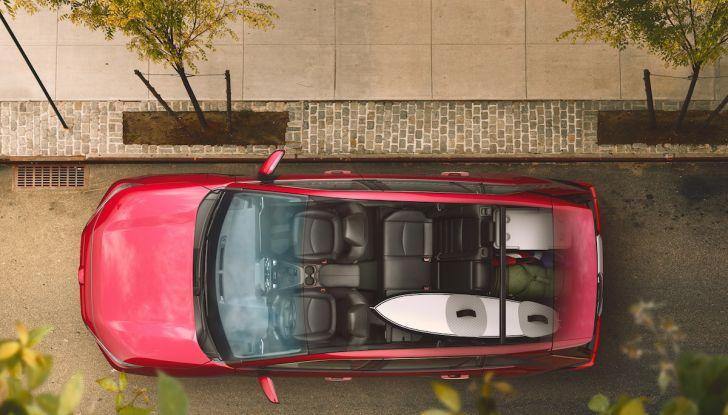 Toyota RAV4 2018, il SUV nipponico fa ritorno al fuoristrada - Foto 21 di 29