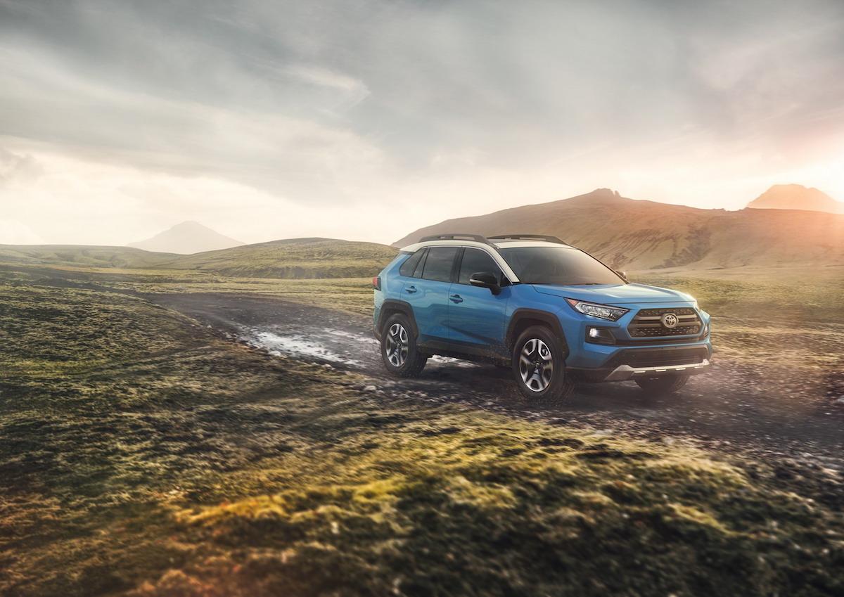 Toyota RAV4 2018 Blue