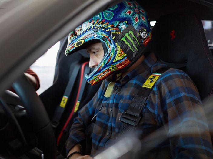 Valentino Rossi tester a Fiorano con la Ferrari 488 Pista - Foto 3 di 7