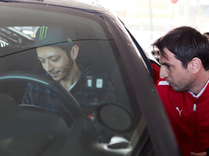 Valentino Rossi tester a Fiorano con la Ferrari 488 Pista - Foto 2 di 7