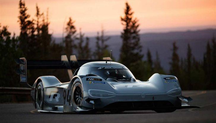 Volkswagen ID.R: nuovo record tra le elettriche al Nürburgring - Foto 2 di 13