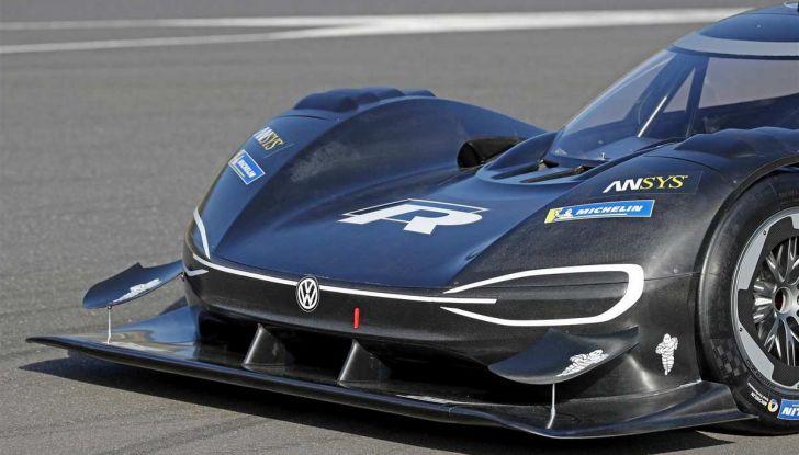 Volkswagen ID.R: nuovo record tra le elettriche al Nürburgring - Foto 13 di 13