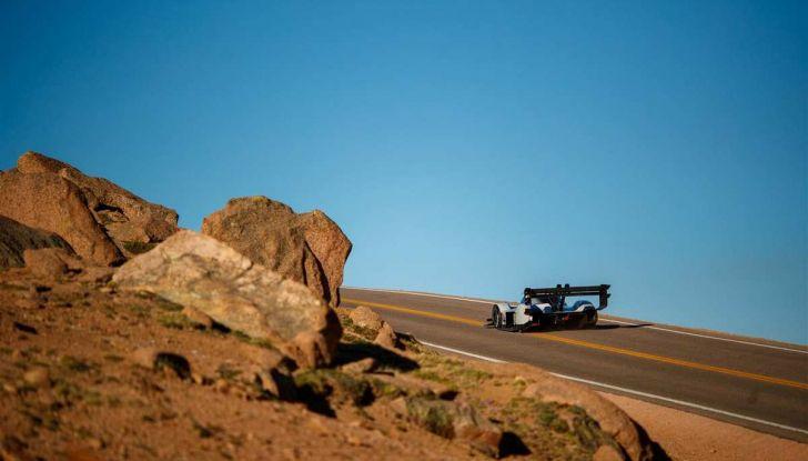 Volkswagen I.D. R, la sportiva elettrica per la Pikes Peak 2018 - Foto 3 di 13