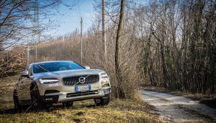 Prova su strada Volvo V90 Cross Country Pro: la regina delle Station Wagon - Foto 26 di 44