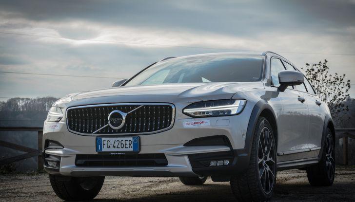 Automobili e camion Volvo comunicano nel traffico in tempo reale - Foto 1 di 44