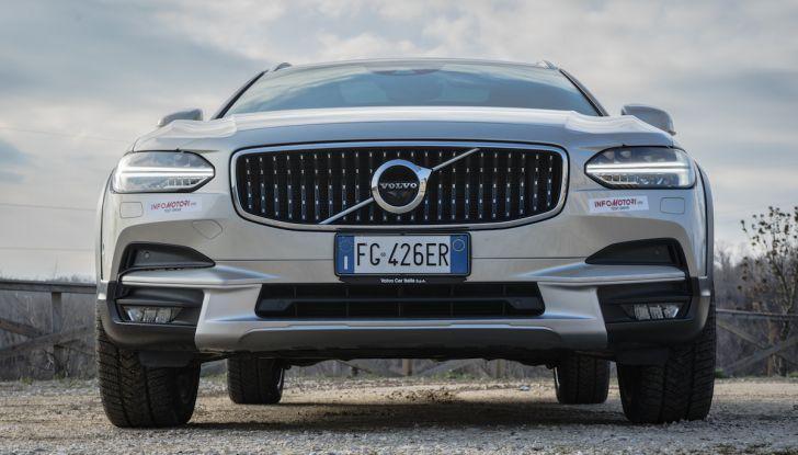 Automobili e camion Volvo comunicano nel traffico in tempo reale - Foto 2 di 44