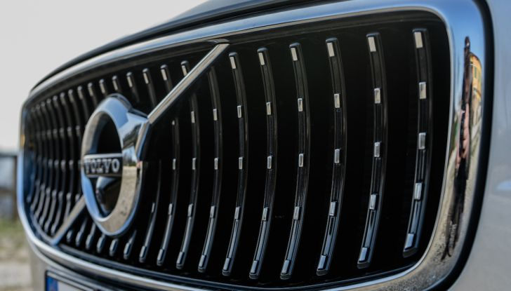 Prova su strada Volvo V90 Cross Country Pro: la regina delle Station Wagon - Foto 8 di 44