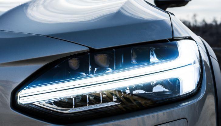 Prova su strada Volvo V90 Cross Country Pro: la regina delle Station Wagon - Foto 7 di 44