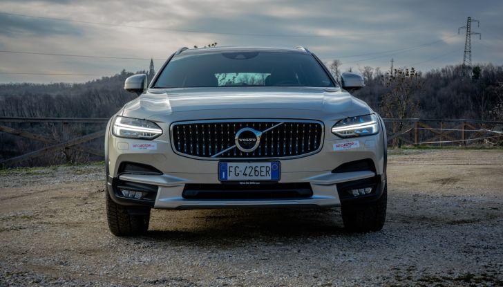 Prova su strada Volvo V90 Cross Country Pro: la regina delle Station Wagon - Foto 6 di 44