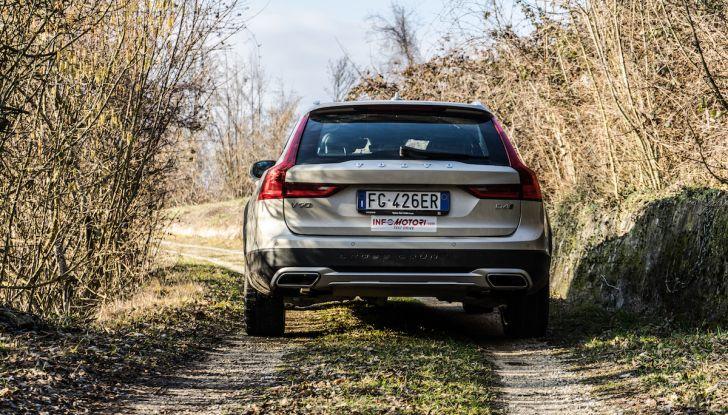 Prova su strada Volvo V90 Cross Country Pro: la regina delle Station Wagon - Foto 30 di 44