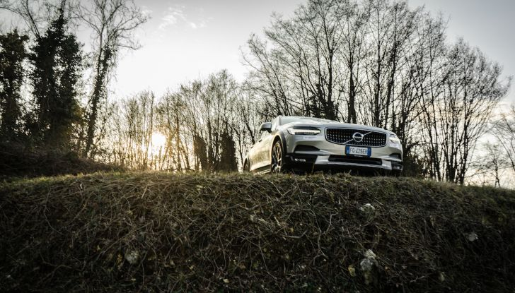 Prova su strada Volvo V90 Cross Country Pro: la regina delle Station Wagon - Foto 43 di 44