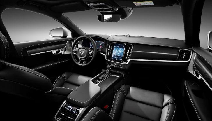 Automobili e camion Volvo comunicano nel traffico in tempo reale - Foto 24 di 44