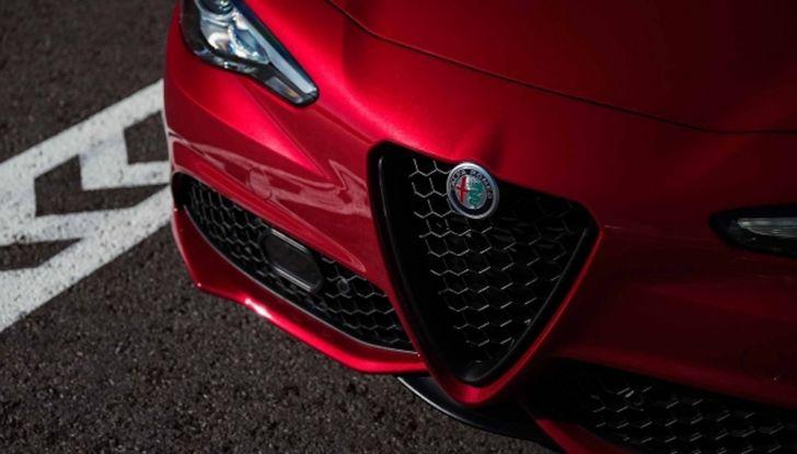 Alfa Romeo, arrivano Giulia e Stelvio in Nero Edizione - Foto 7 di 9