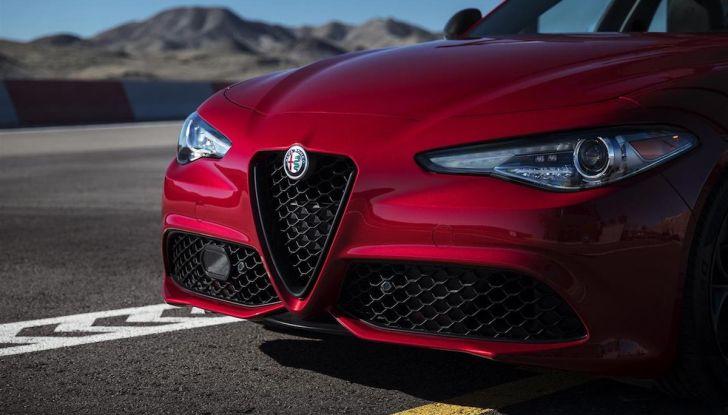 Alfa Romeo, arrivano Giulia e Stelvio in Nero Edizione - Foto 8 di 9