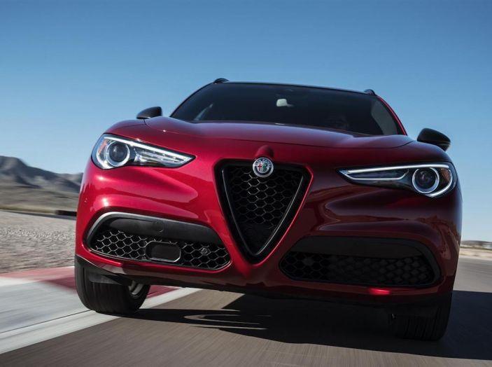Alfa Romeo, arrivano Giulia e Stelvio in Nero Edizione - Foto 2 di 9