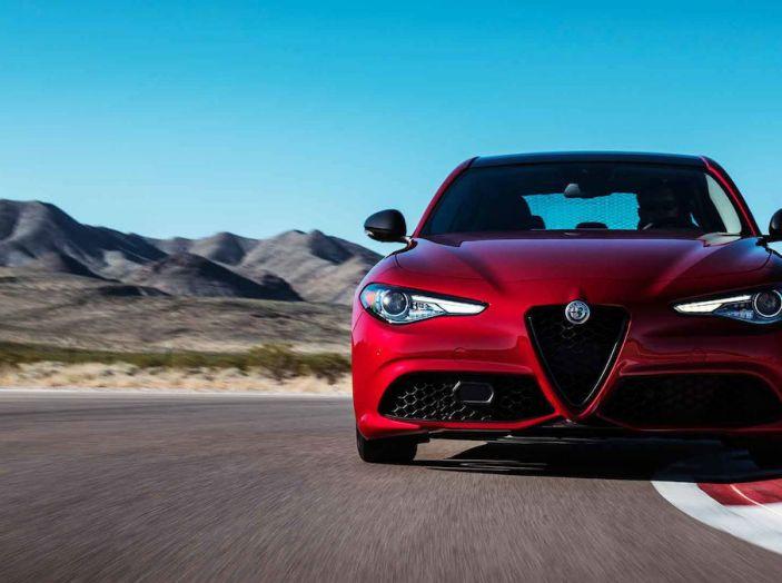 Alfa Romeo, arrivano Giulia e Stelvio in Nero Edizione - Foto 9 di 9