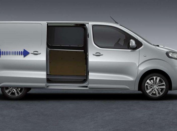 Annuario Trucks & Vans e PSA: presente e futuro dei veicoli commerciali - Foto 10 di 14