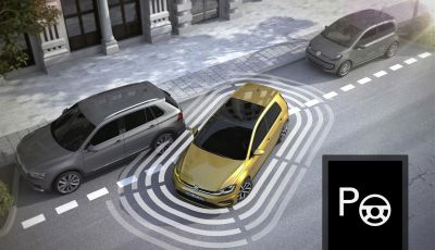 Assistente al parcheggio auto, 20 anni di innovazione Volkswagen