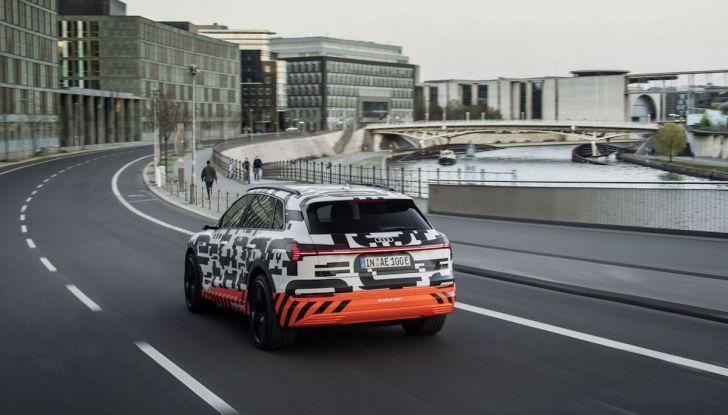 Audi E-Tron, in vendita da fine 2018, è sviluppata nella Gabbia di Faraday - Foto 4 di 26