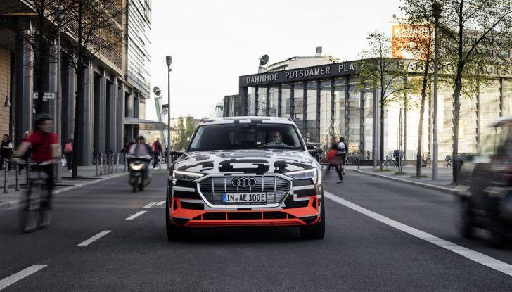 Audi E-Tron, in vendita da fine 2018, è sviluppata nella Gabbia di Faraday - Foto 13 di 26