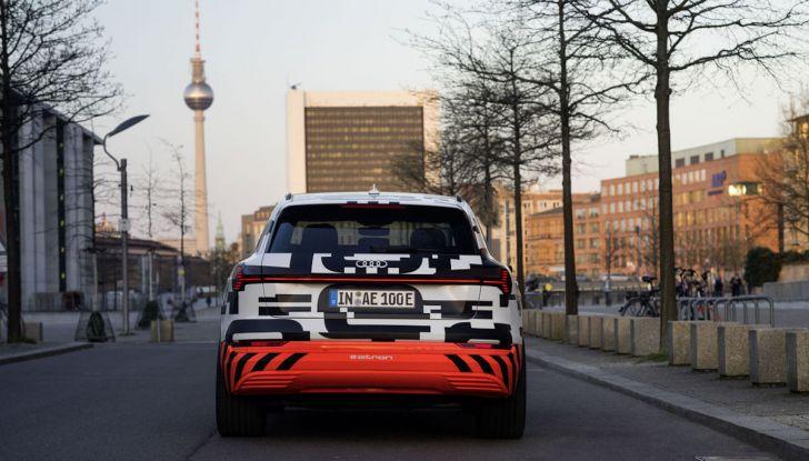Audi E-Tron, in vendita da fine 2018, è sviluppata nella Gabbia di Faraday - Foto 14 di 26