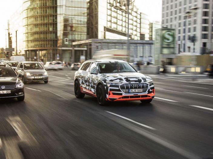 Audi E-Tron, in vendita da fine 2018, è sviluppata nella Gabbia di Faraday - Foto 17 di 26