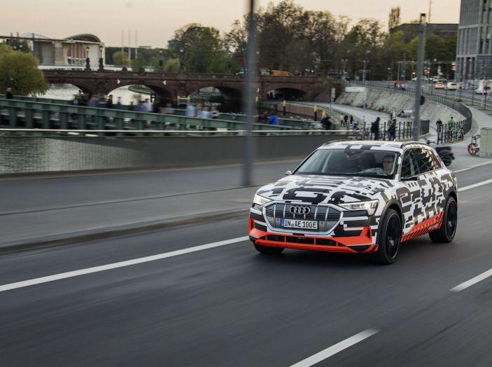 Audi E-Tron, in vendita da fine 2018, è sviluppata nella Gabbia di Faraday - Foto 18 di 26