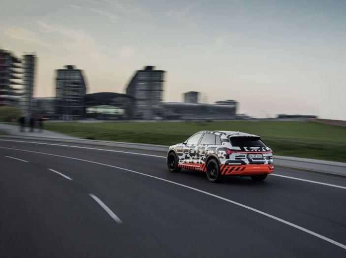 Audi E-Tron, in vendita da fine 2018, è sviluppata nella Gabbia di Faraday - Foto 21 di 26