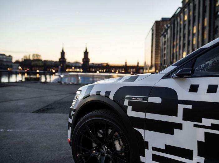 Audi E-Tron, in vendita da fine 2018, è sviluppata nella Gabbia di Faraday - Foto 24 di 26