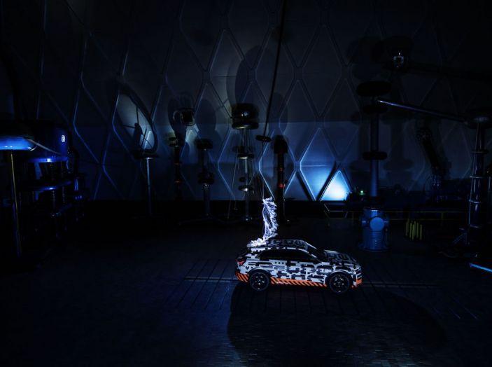 Audi E-Tron, in vendita da fine 2018, è sviluppata nella Gabbia di Faraday - Foto 25 di 26