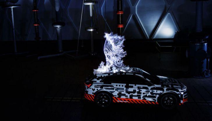 Audi E-Tron, in vendita da fine 2018, è sviluppata nella Gabbia di Faraday - Foto 1 di 26