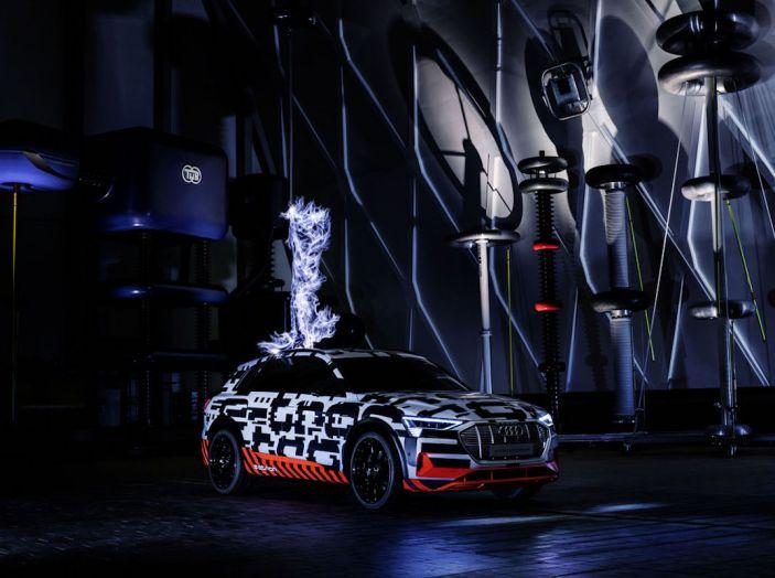 Audi E-Tron, in vendita da fine 2018, è sviluppata nella Gabbia di Faraday - Foto 3 di 26