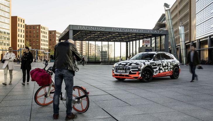 Audi E-Tron, in vendita da fine 2018, è sviluppata nella Gabbia di Faraday - Foto 10 di 26