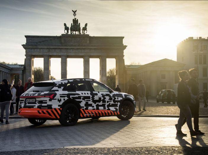 Audi E-Tron, in vendita da fine 2018, è sviluppata nella Gabbia di Faraday - Foto 11 di 26