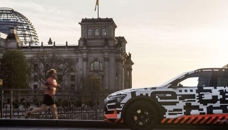 Audi E-Tron, in vendita da fine 2018, è sviluppata nella Gabbia di Faraday - Foto 12 di 26