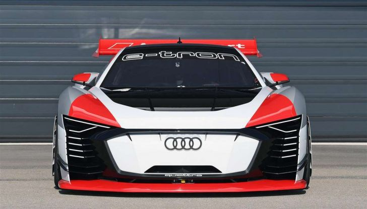 Audi e-tron Vision Gran Turismo nata per PS4, arriva in Formula E - Foto 10 di 17