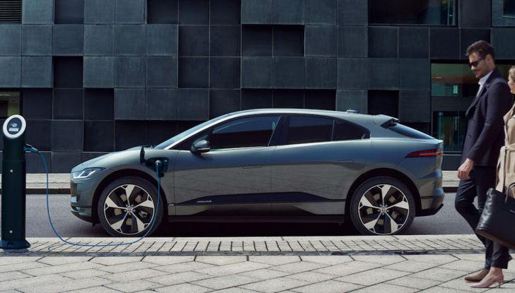 Ricariche gratis prorogate fino al 15 luglio per Tesla Model S ed X - Foto 8 di 13